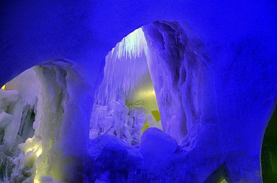 Niseko Ice Village洞窟?