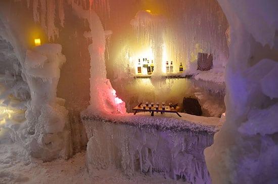 Niseko Ice Villageバーカウンター